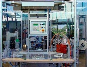 InnoTech Halbautomatische Montageanlage