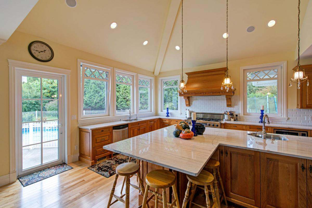 Windows Instead Of Cabinets
