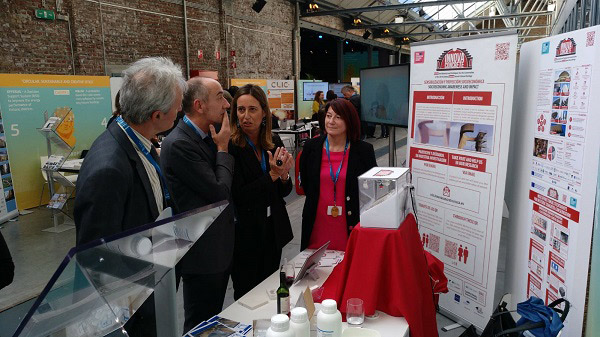 Isella-Vicini-and-Maria-Mosquera-with-Jean-Enric-Paquet-at-InnovaConcrete-booth