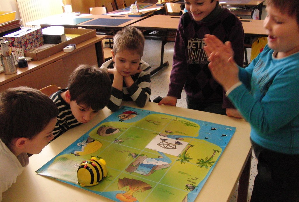 robótica infantil con Beebot