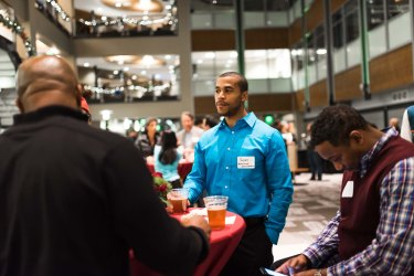 Dec16_NetworkingNight-sm_0049