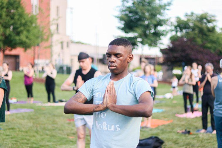 WFIQ - Yoga in the Park-15