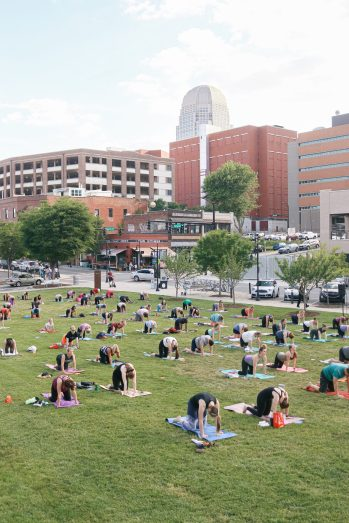 WFIQ - Yoga in the Park-4