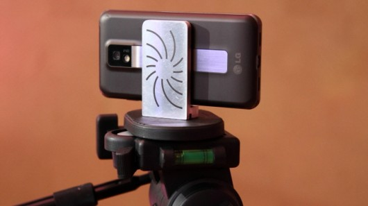 Capta connects any smartphone to a tripod