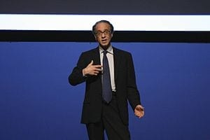 Kurzweil Predicts 100% Solar Power in 20 Years