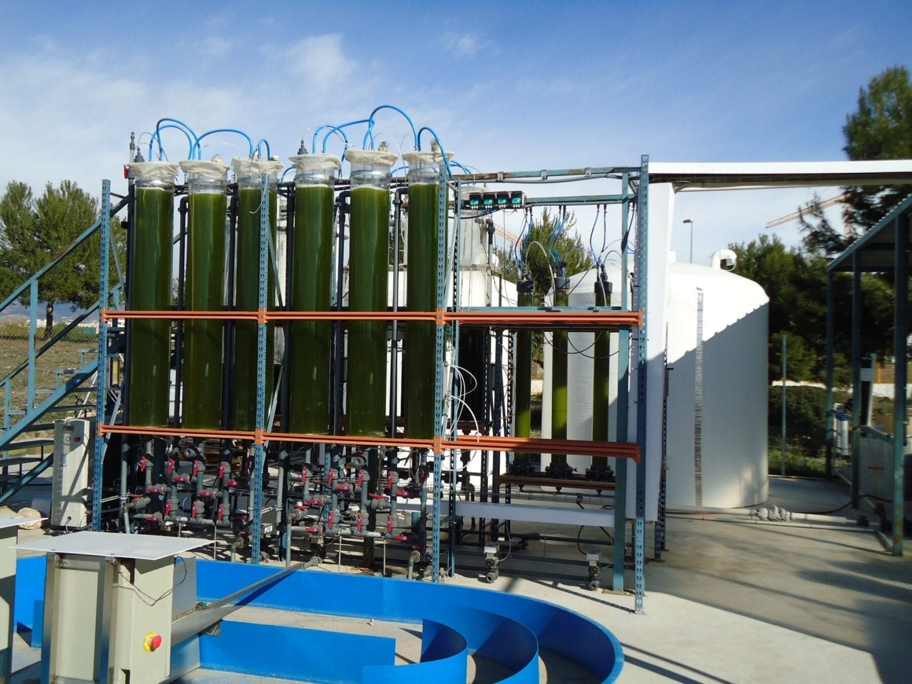 UA researchers design a photobioreactor to produce biofuel from algae
