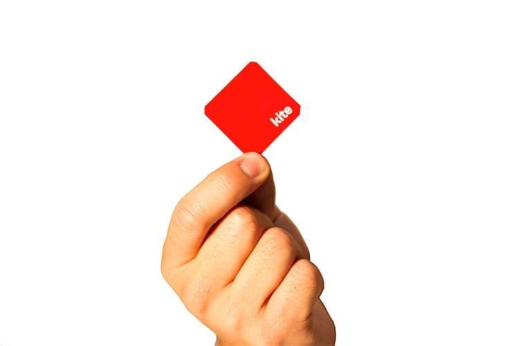 1682604-slide-kite-hand