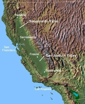 The Central Valley of California, with the San Joaquin Valley in the southern sub-region, and the Sacramento Valley in the northern sub-region. © 2004 Matthew Trump (Photo credit: Wikipedia)