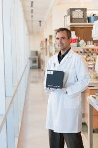 TB REaD™ improves the speed and accuracy of a TB diagnosis, allowing health providers to deliver results in 10 minutes and begin treatment in the same patient session.