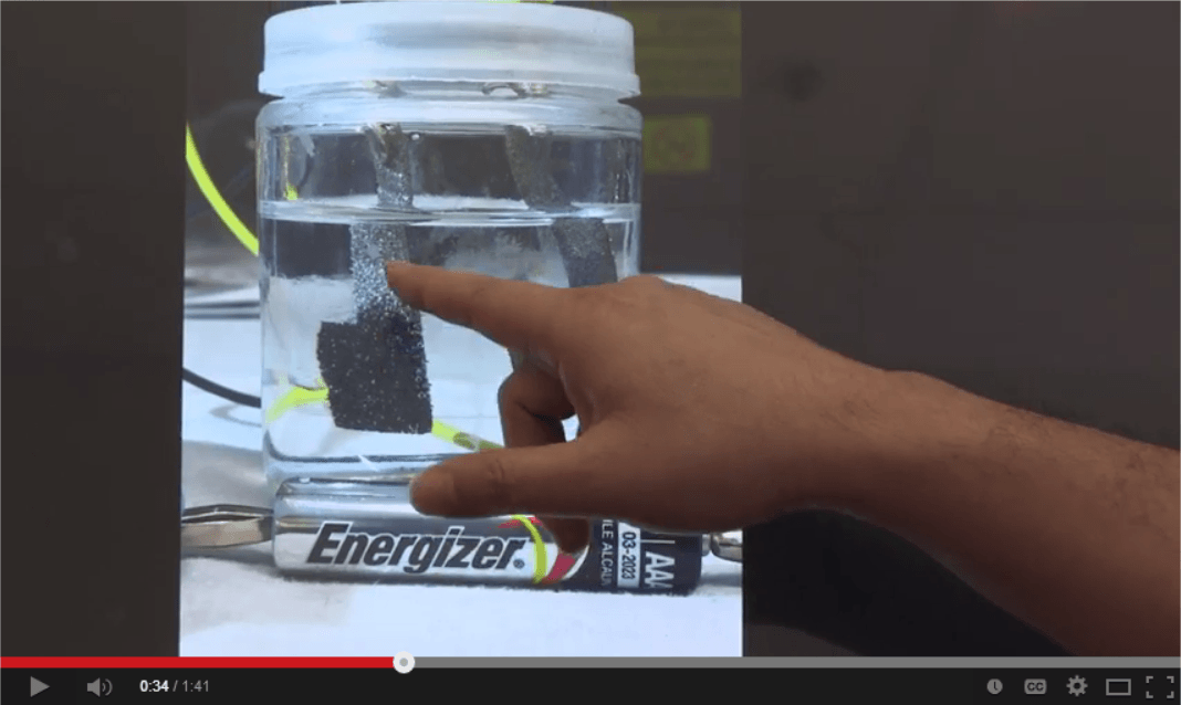 Stanford scientists develop water splitter that runs on ordinary AAA battery