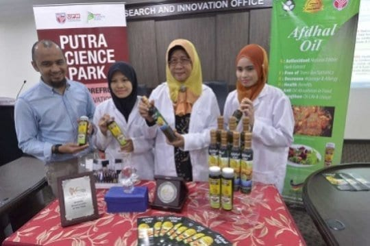 Prof Suhaila said AFDHA cooking oil was scientifically defined using the main ingredients, palm oil and Rutaceae herb, which are not only capable of reducing oil absorption in fried cooking up to 85 per cent but also minimize the risks of getting cardiovascular and cancer. Credit: Marina Ismail