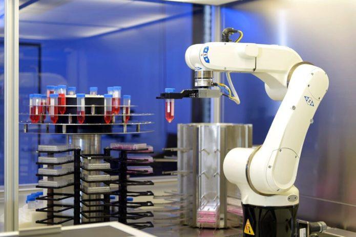 Photo: Bildschön GmbH Sluice area with robot
