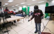 Using virtual reality to control remote robots
