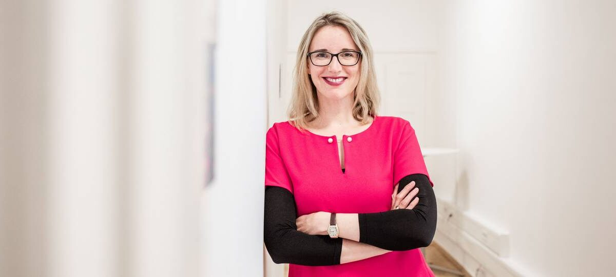 """Alena Buyx, Professor of Ethics in Medicine and Health Technologies, advocates the""""embedded ethics approach"""" in the development process of new AI health technologies. Image: Juli Eberle/TUM"""