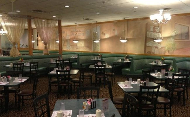 Affordable Seating Helps Royalberry Waffle House Update