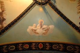 Vi è inoltre una sacra allegoria raffigurante la Religione in trono tra San Pietro e San Paolo e Dio Padre sostenuto da nuvole.