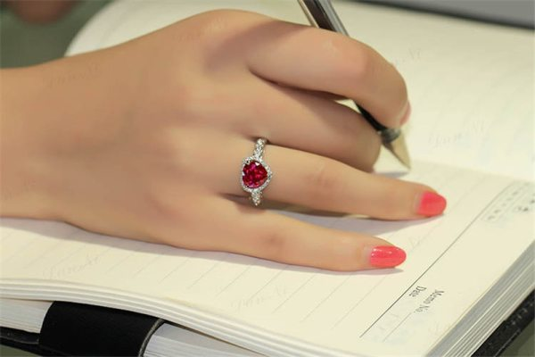 Red Ruby Heart Shape Gemstone Sterling 925 Silver Wedding Rings For Women Bridal Fine Jewelry Engagement Red Ruby Heart Shape Gemstone Sterling 925 Silver Wedding Rings For Women Bridal Fine Jewelry Engagement Bague Accessories