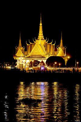 Visita Phnom Penh e il suo Palazzo Reale