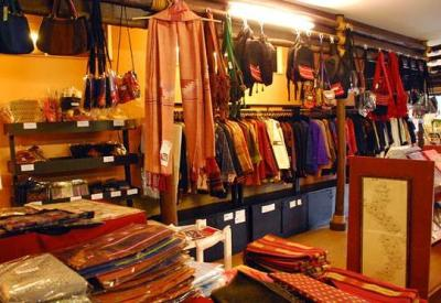 chiang rai museo Hill Tribe Museum and handicrafts Shop