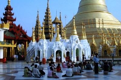 stupa shwedagon paya yangon myanmar