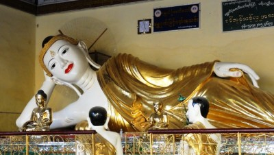 budda shwedagon paya yangon myanmar