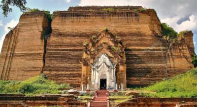 pagoda di mingun in myanmar