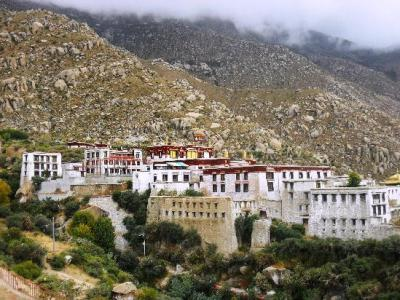 panoramica monastero drepung tibet