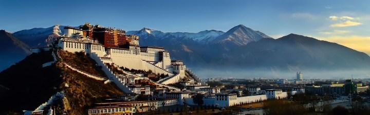 palazzo del potala lhasa tibet