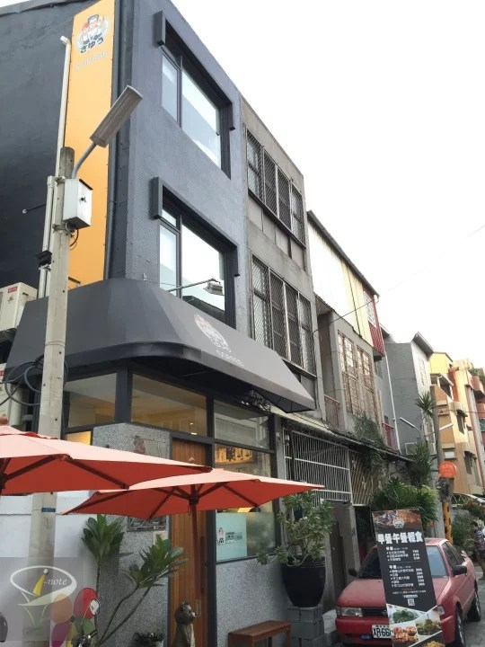 左右蔬食咖啡館