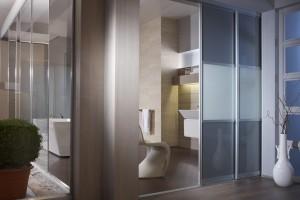 Ihr Badezimmer mit inova SchiebetrenSchranksystemen