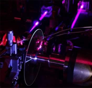 Disco holográfico atinge velocidade de Blu-ray