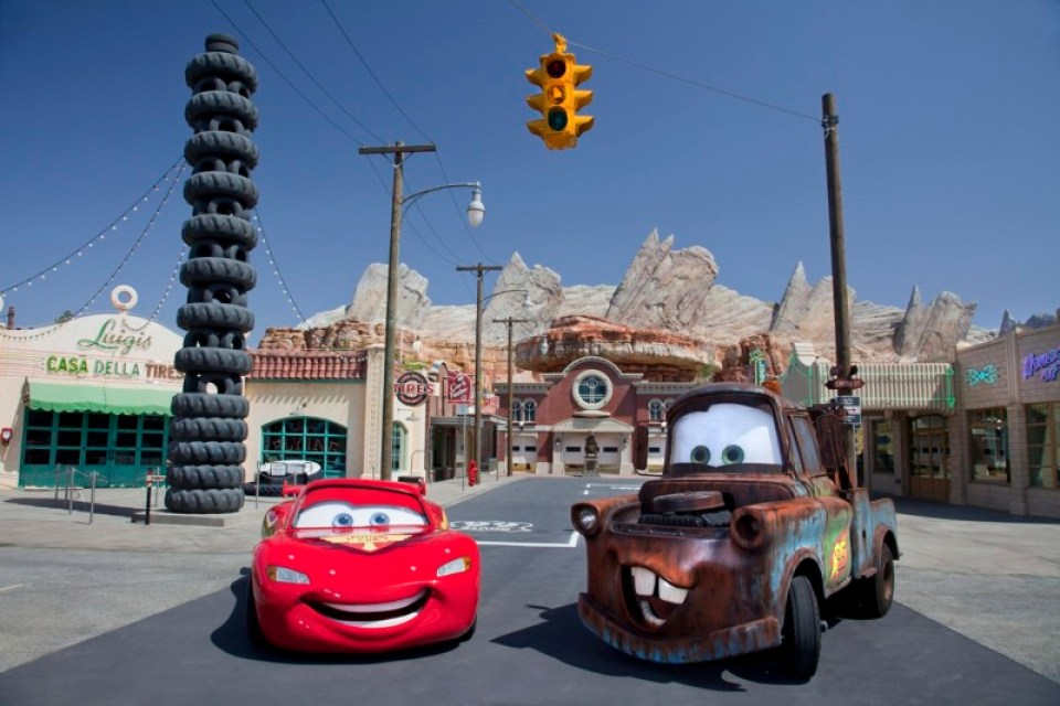 a-Cars-Land-LM-TM