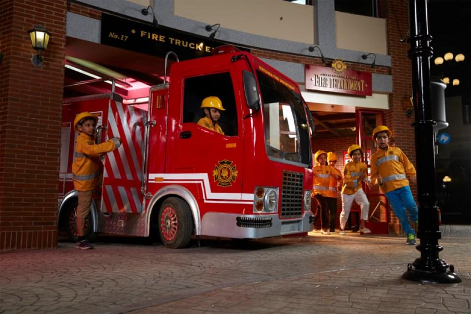 KZ-Mumbai_Kids-role-playing-as-Fire-Fighters-