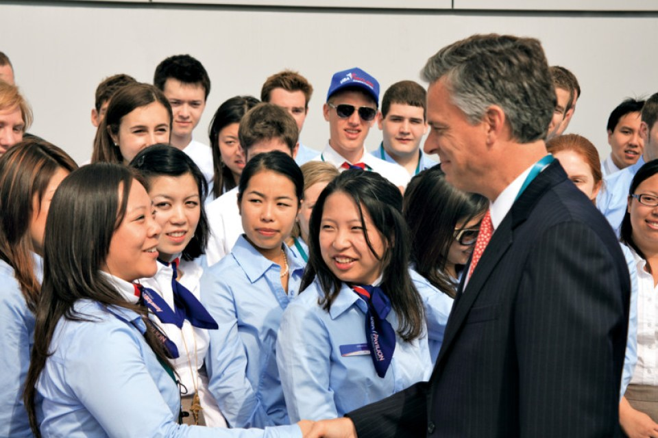 Ambassador to China Huntsman meets Student Ambassadors at the USA Pavilion, Shanghai 2010