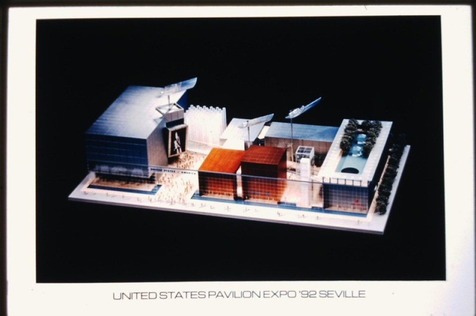 The original design for the US Pavilion at Seville Expo 92, by Barton Myers. Photo courtesy James Ogul.