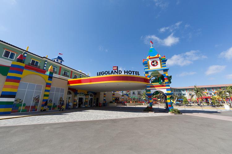 LEGOLAND-Hotel-Entrance