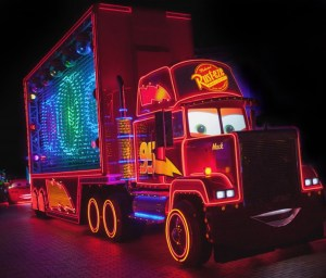 Mack-Truck-in-Paint-the-Night-1_15_DLR_9507-742x634
