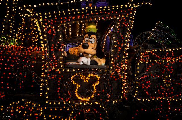 disneys-electrical-parade-9-640x420