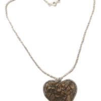 heart_wired_necklace-removebg-preview