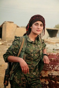 Combattante kurde des YPJ © Denilaur