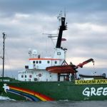 Detenuti con l'accusa di pirateria 30 membri di Greenpeace in Russia