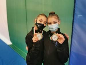 Eleonora e Chiara (10 anni) la ginnastica ritmica come maestra di vita