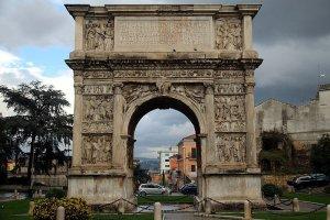 Arco di Traiano di Benevento