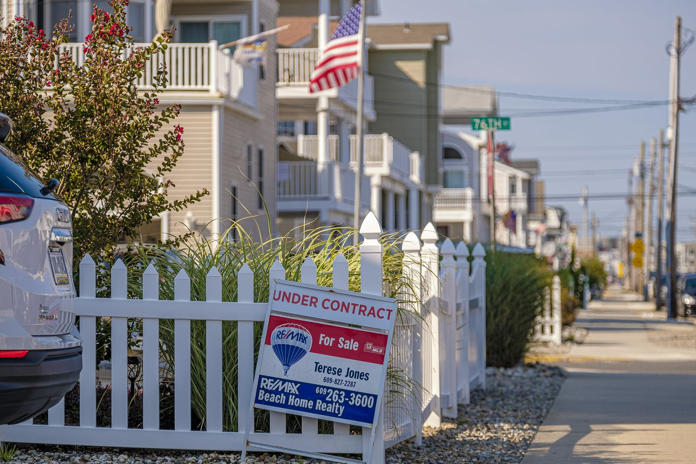 A for sale sign along Landis Avenue in Sea Isle City, N.J.
