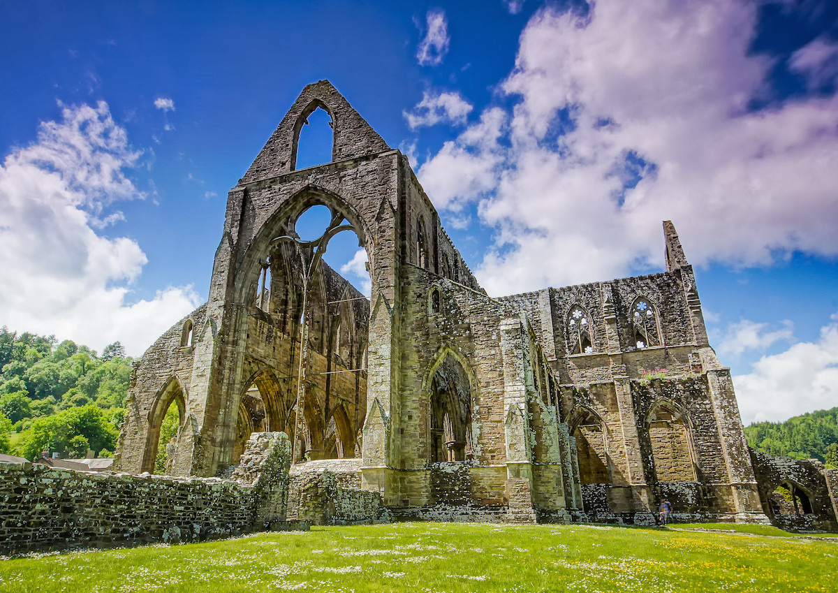 Wordsworths Tintern Abbey Conveying Experience Through Nature  Inquiries Journal