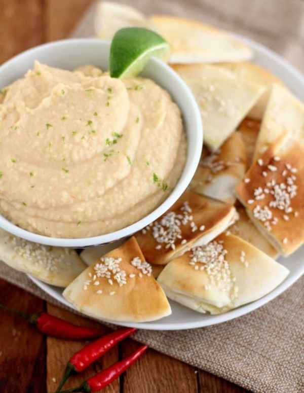 Sriracha White Bean Dip :: Inquiring Chef