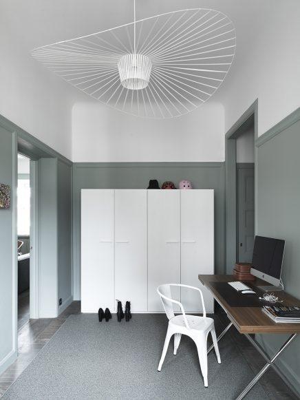 Appartement met mooie grijs groene muren  Inrichtinghuiscom