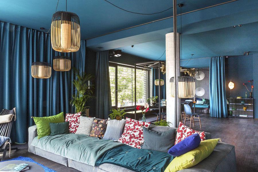 Blauwe woonkamer met een Aziatisch tintje  Inrichting
