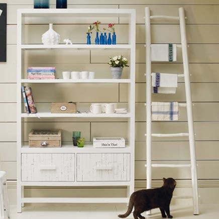 Decoratie ladder in badkamer  Inrichtinghuiscom