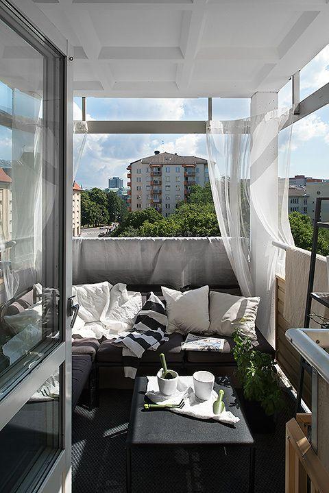 Gordijnen ophangen op het balkon  Inrichtinghuiscom